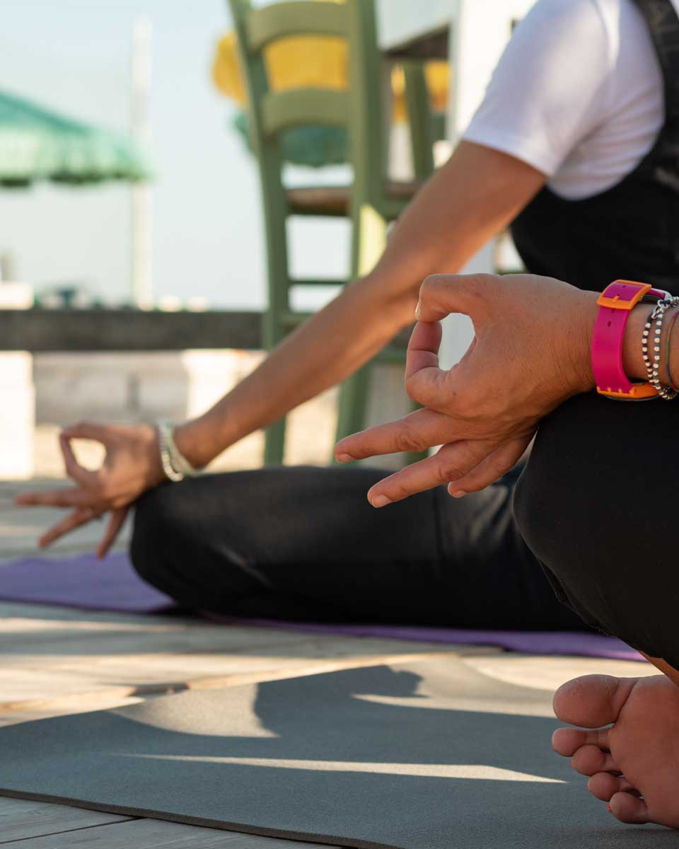MARAVIGLIA_yoga_mob